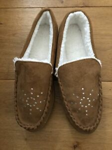 Ladies Suede Effect Fur Lined Slippers Size 5 Brand New, Rubber Sole, Tan