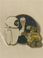 PTD DSF DSSH- PIN TRADER'S DELIGHT- WALL-E & EVE GWP LE 400 DISNEY PIN 119277