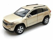 2011 Jeep Grand Cherokee Laredo Gold Maisto Diecast Car Collection Model 1/24