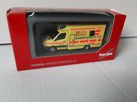Sprinter  RTW ASB Berlin Notfallrettung 112 Im Auftrag Berliner Feuerwehr 091800