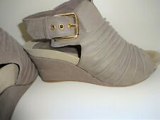 Earthies Taupe Gray Bonaire Too  Leather Open Toe Wedge Heel Shoe 8.5 B