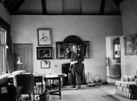 OLD PHOTO Sir Winston Churchill at Chartwell Manor, in Westerham, Kent
