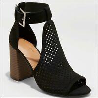 Universal Thread Hannah Microsuede Block Heel Laser Cut T-Strap Women's Sandals