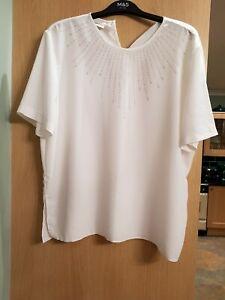 Ladies White Top Size XL (16)