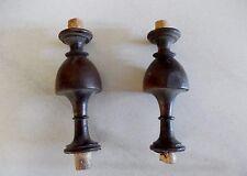 2 anciennes toupies en bois tourné - boiserie réparation chaise, buffet Henri II