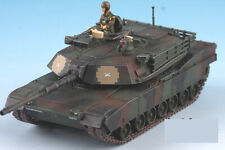 USA ABRAMS M1A2 Camouflage w/ A Soldier 1/72 Finished Model Tank 3R