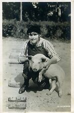 Usa Silent Movie Actress And Singer, Pearl White With A Little Pig, 1926 m