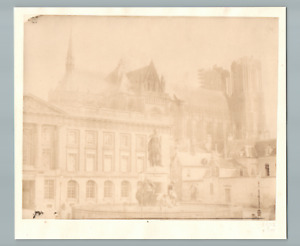 Lory, France, Reims, Place Royale  Vintage salt print. Timbre à sec du photograp