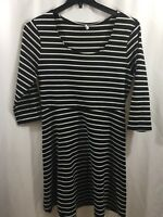 Old Navy Women's Black & White Striped A Line Dress Size Large 3/4 Sleeve