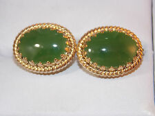 Vintage Oval Green Jade Stone Gold tone Screw Back Earrings  11h 56