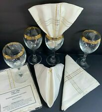 """4 Ten-Oz Wine Glasses w/Wide Gold Band 7"""" + Silver & Gold Threaded Napkins India"""