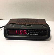 Vintage GE General Electric Digital Alarm Clock Radio - Woodgrain Model 7-4613A