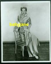 VIRGINIA MAYO VINTAGE 8x10 PHOTO TAKEN BY BERT SIX 1949 FASHION WHITE HEAT SNIPE