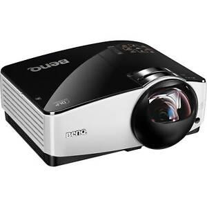 GREAT PROJECTOR BENQ MW860USTi DLP SHORT-THROW 3D 3000 ANSI LUMENS HDMI HD 1080p