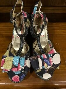 Poetic Licence Shoes. Wedges Style Sandals. Bold Floral Size 10 US 41 European