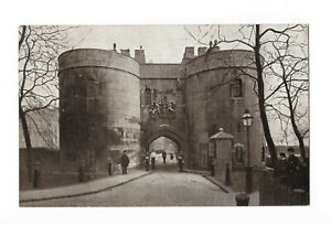 POSTCARD 'LONDON' The Middle Tower, Tower of London /D-049