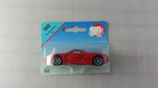 Véhicules miniatures rouge sous boîte fermée 1:55