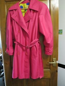 LADIES A CALL FROM DANWEAR SHOCKING PINK RAINCOAT SIZE 12 - HOUSE CLEARANCE