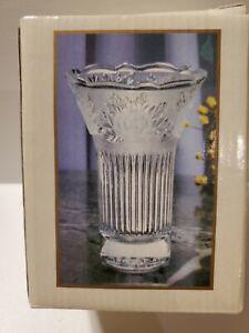 """Vintage Frosted & Clear Floral Motif """"Sara"""" Crystal 4.5"""" Rose Vase - Ribbed"""