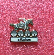 Pins CHEVAL Horse MALESAN Saut D'obstacle couleur Doré Petit