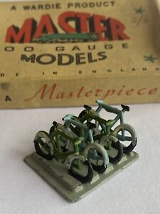 WARDIE MASTER MODELS No.43 CYCLE RACK WITH CYCLES, boxed, suits Hornby Dublo.
