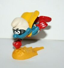 Vintage 1980 Smurf Flying Cape SUPERMAN Hero Base Stand Schleich Peyo Hong Kong