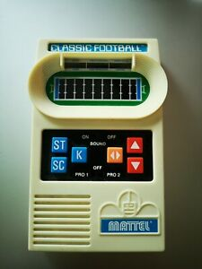Mattel Classic Football 2000 Electronic Handheld Video Game Tested WORKS! Fun!