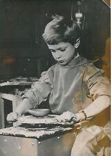 Prince Charles Gustave de Suède 1955 -Enfant Confection Pot Tour Potier- PR 1215