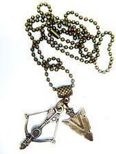 Tono Oro antiguo arco y flecha cabeza en una cadena de los juegos del hambre inspirado g.o.t