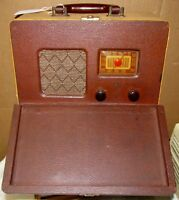 Vintage Portable/Lunchbox Tube Radio Travler Style As Is/Parts-Project J0895