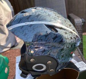 Ski Snowboard Helmet size S (52-55) Small Summit Downhill Pro Brand New Boxed