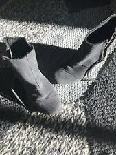 Womens Desert Toms Gray Suede Zip Up Wedge Size 6 Boots Booties