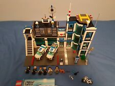 Lego City 7498 Set - Police Station