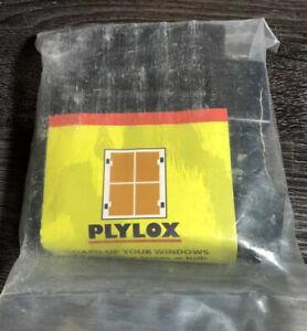 "PLYLOX Windstorm 1/2"" Carbon Steel Window Clips"