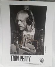 TOM PETTY - OLD 1996 PERSONALLY AUTOGRAPHED 8 X 10 PRESS KIT PHOTO - MINT
