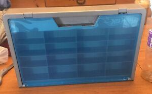 Hot Wheels Wall Display Case With Blue Screen Door 2006