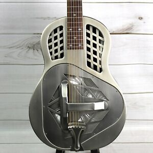 Royall Trifecta Antique Steel 12 String Tricone Resonator with Deluxe Case