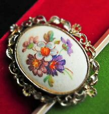 Large cameo german sugar crystals glass flowers gold tone great condition BROOCH
