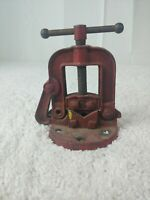 """Vintage bench vice #00H Pipe Vice 1/8"""" to 2""""/ Bench Mount/ Working"""