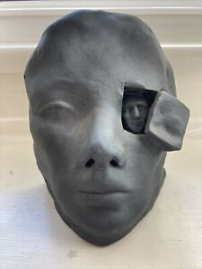 Face in eye sculpture 2007 Sean Cornel