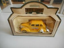 Days Gone 1939 Chevrolet Car Yellow Cabs in Yellow in Box