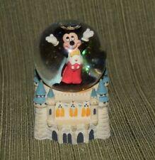 Walt Disney World Snowglobe  Mickey Mouse Inside Cinderella Castle Attractions