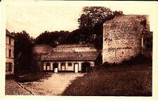 Carte postale ancienne Montreuil sur Mer  cour intérieure de la citadelle