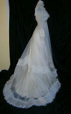 BRIDAL ORIGINALS VINTAGE WHITE WEDDING GOWN SIZE 6 PEARLS LACE ROSES BUTTONS USA