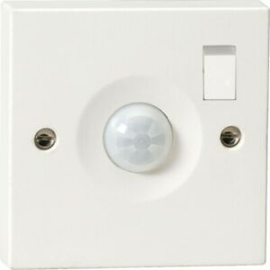 Knightsbridge IP20 Wall Mounted Switched PIR Motion Sensor With Switch White