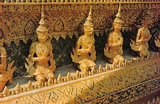 BR49858 Statues of garur inside the temple of the emerald budha bank    Thailand