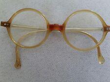 Ancienne paire de lunettes vintage