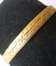 bracelet bijou vintage rigide cuivre jaune or finement gravé 511