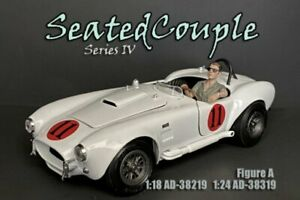 SEATED COUPLE SERIES IV FIGURE A AMERICAN DIORAMA 38219 1/18 scale Figurine