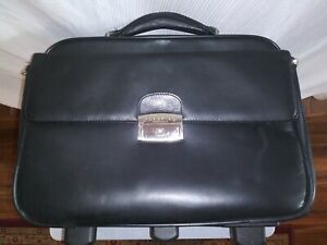 Kennith Cole Reaction Professional Bag/ Beautiful Black Leather